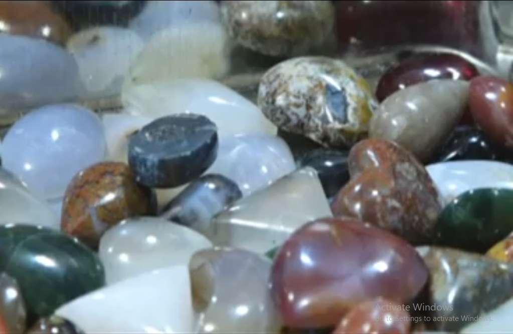 کسب و کار تراش سنگ های قیمتی و نیمه قیمتی