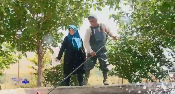 خانم اقبالی و فرزندش